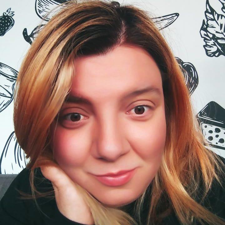 Karolina Piotrowska - psycholożka, seksuolożka, psychoterapeutka
